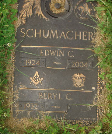 Headstone of Edwin C. Schumacher 1924 - 2004