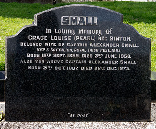 Headstone of Captain Alexander Small 1887 - 1975